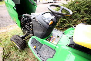 John Deere X748 Review