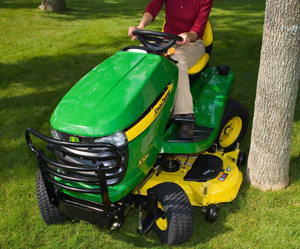 2012 John Deere X324 AWS Turning
