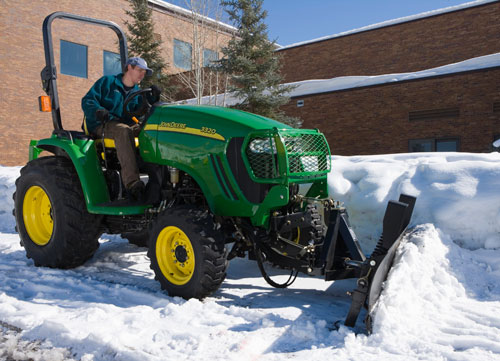 2013 John Deere 3320 with Plow