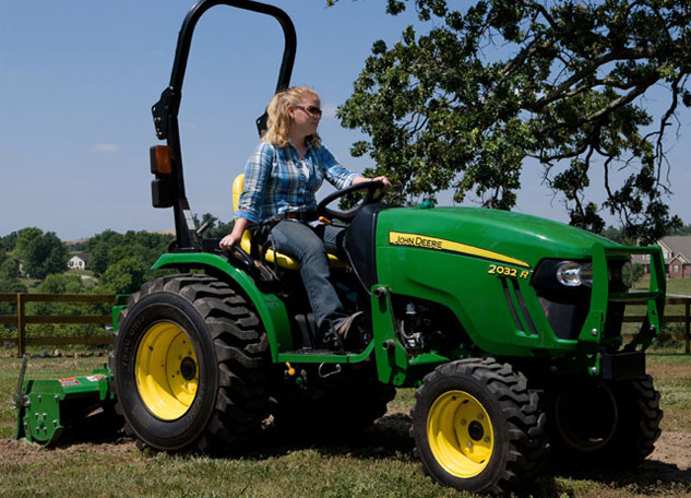John Deere Side By Side >> 2014 John Deere 2032R Review