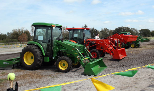 2014 John Deere 4Rs and Competition with Box Blades