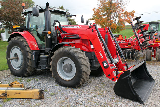 2014 Massey Ferguson 6615 Right Side