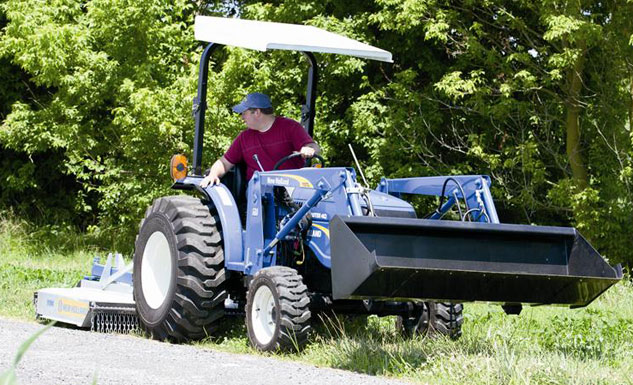 2014 New Holland Workmaster 40 Mowing