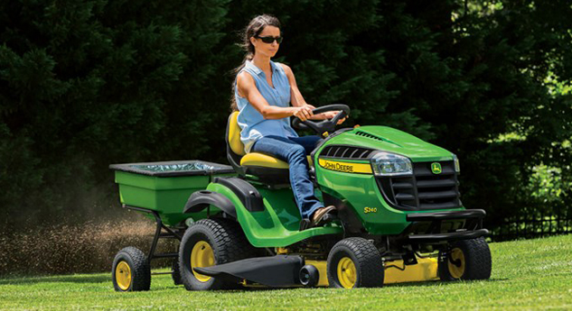 2015 John Deere S240 Sport Working