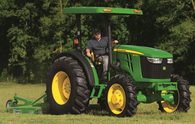 2017 John Deere 5075E Working