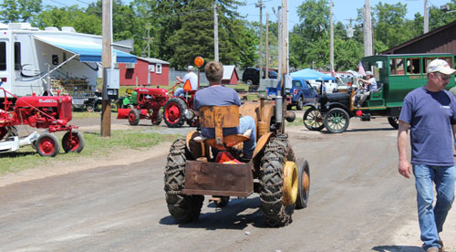 Parade at the Antique Engine & Tractor Show