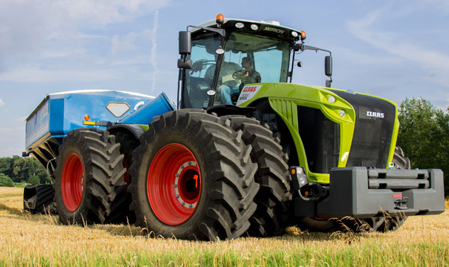 Claas-XERION-Front.jpg