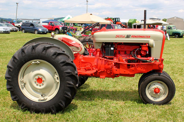 Old Ford Diesel Tractors : Quaker acres west farm and family show report