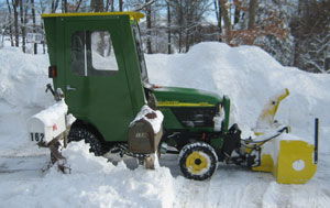 John Deere 2210 with 47-inch Snowblower Right Side