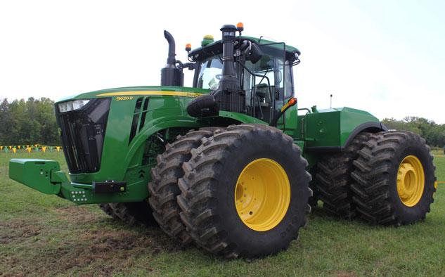 2015 John Deere 9620R & 2015 John Deere Tractor Lineup Unveiled