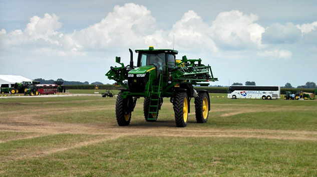 John Deere R4038 Sprayer Rear