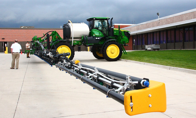 John Deere R4038R with Carbon Fiber Boom
