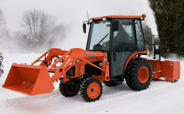 Kubota Tractor witih Loader and Rear Blower