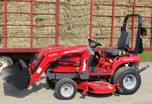 2012 Massey Ferguson GC2400 Right Side