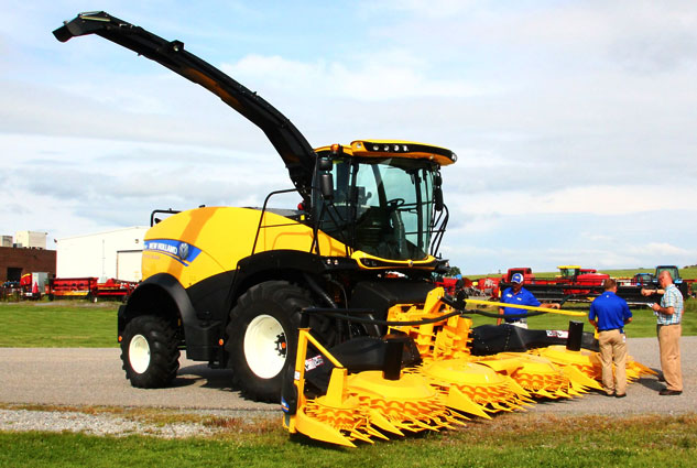 New Holland FR650 Forage Cruiser Rear