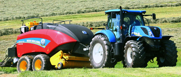 2016 New Holland T7.315 with Big Baler