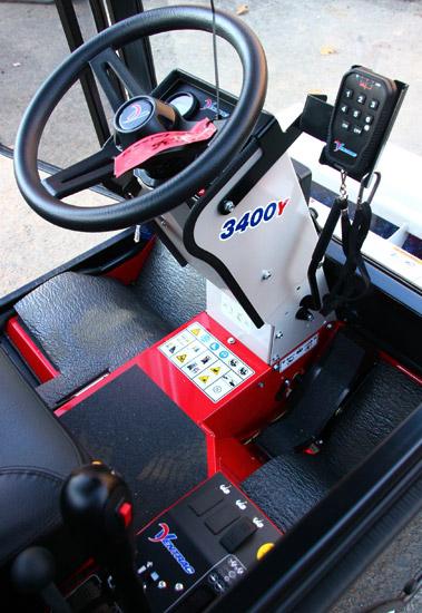 Ventrac 3400Y Cockpit