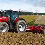 Massey Ferguson Uncovers 8700 Series Tractors at World Ag Expo