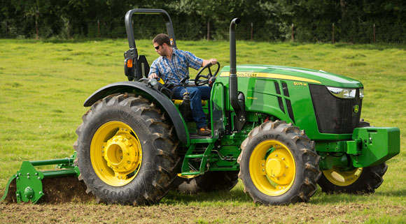 John Deere Makes Changes to 5M Utility Tractors for 2015