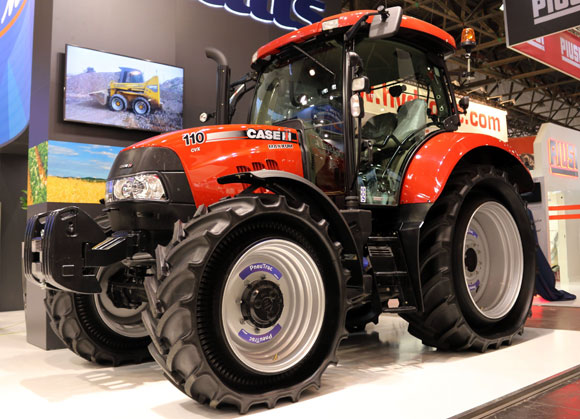 Mitas PneuTrac on Case IH Maxxum