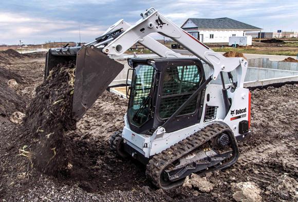 Bobcat T595 Dumping Dirt