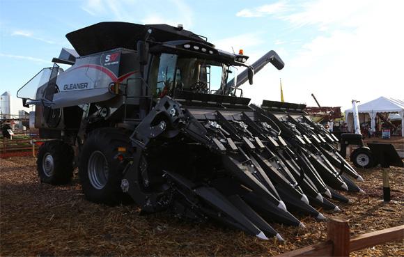AGCO Introduces New 3200 Series Corn Head