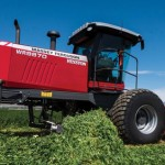 Hesston by Massey Ferguson Triple Windrower Attachment