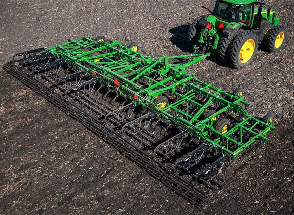 John Deere 2320 Field Cultivator