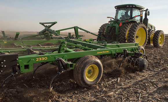 John Deere 2320 Mulch Finisher