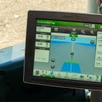 John Deere introduces 4640 Universal Display