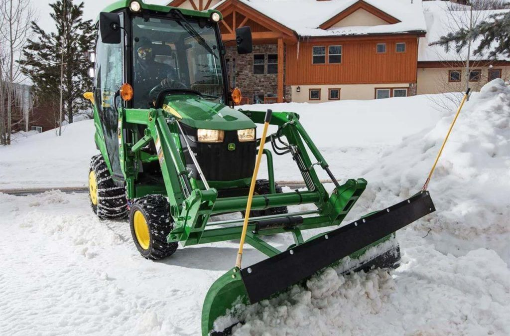 John Deere 1025R Snow
